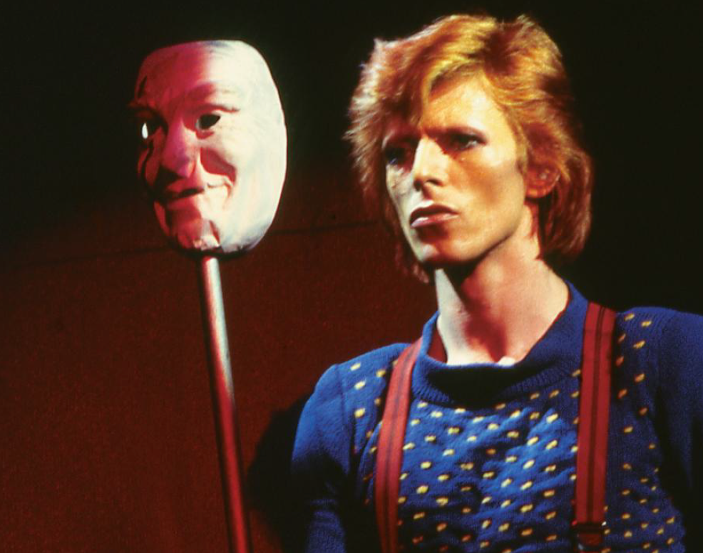 the-man-behind-the-mask-david-bowie-on-stage-during-the-diamond-dogs-tour-1974